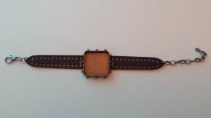 Bezel and bracelet.