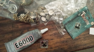 E 6000 Glue and junk jewelry bits