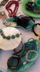 Jewels at the booth. S. Macera, lovingcolor.net