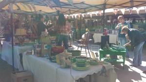 Outdoor market, www.lovingcolor.net